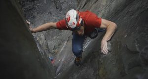 James Pearson escalando The Quarryman