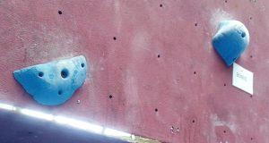 Plafón de escalada en malas condiciones