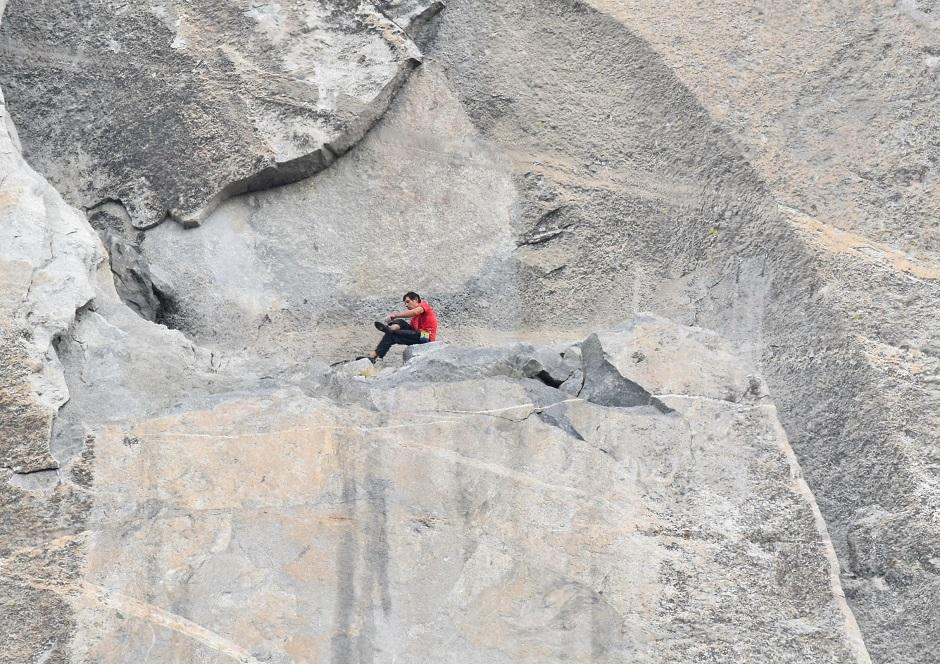 Alex Honnold descanso en 'Freerider' El Capitan