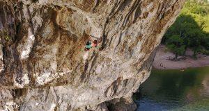 Chris Sharma psicobloc en Ardèche