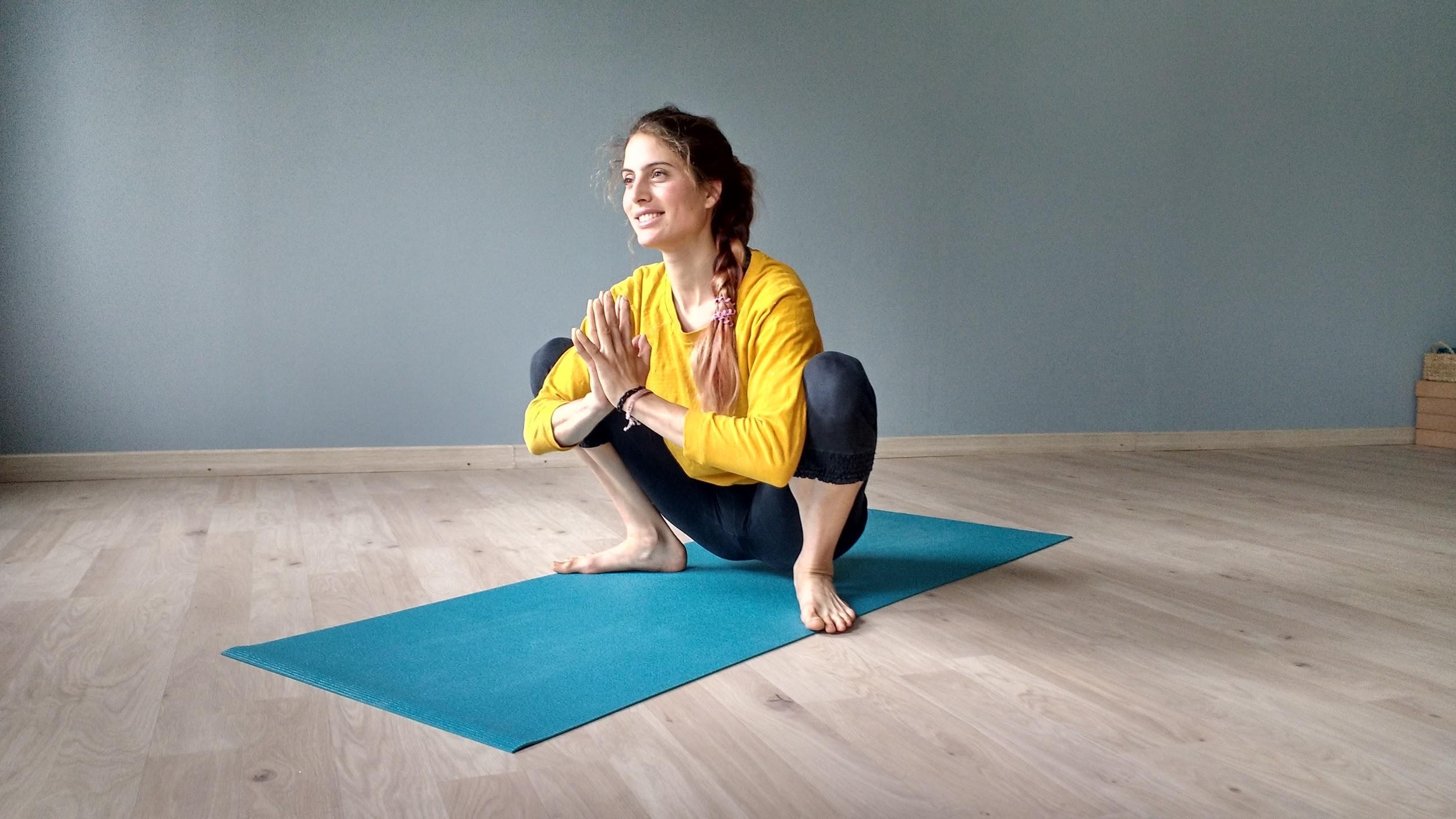 Ari Pallé Yoga Malasana
