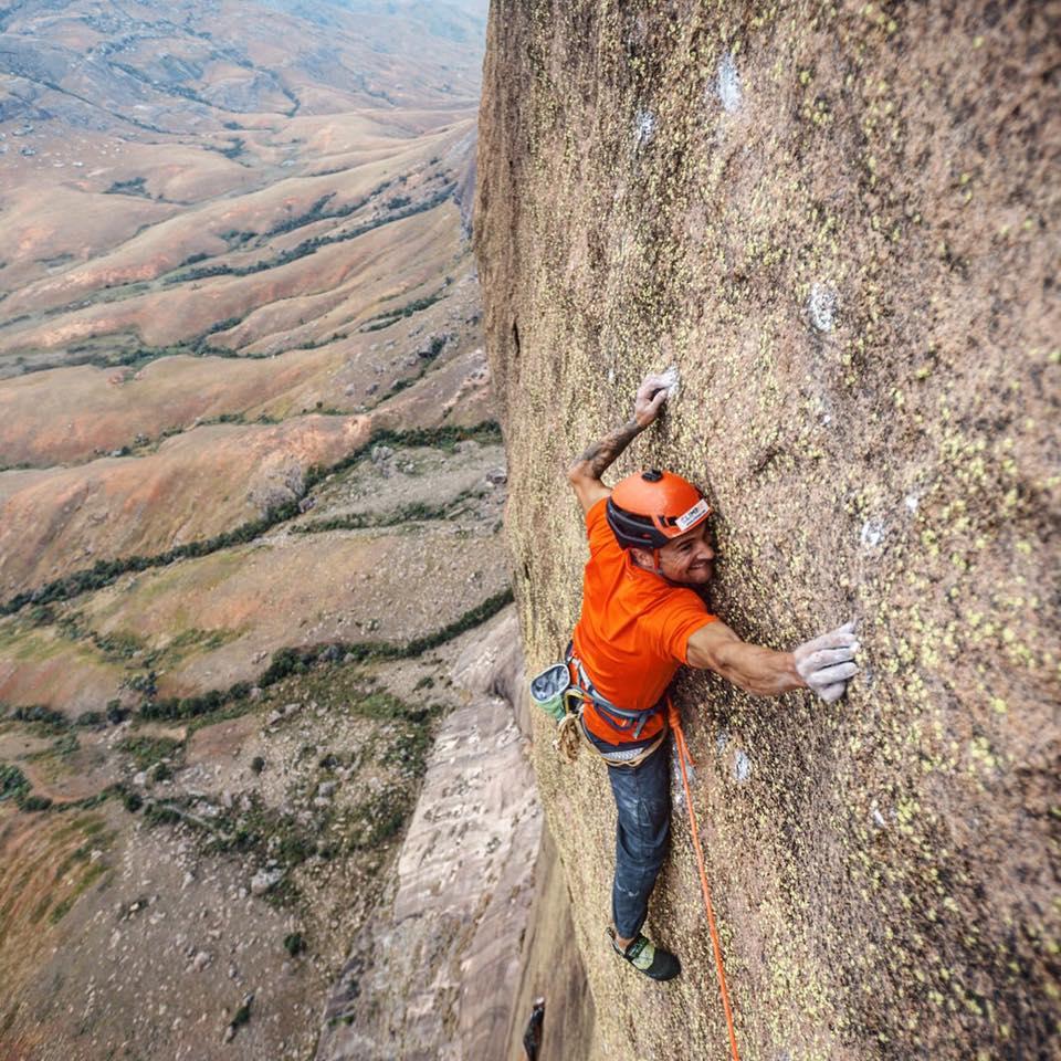 du Marín escala 'Mora Mora' 8c 700m Madagascar