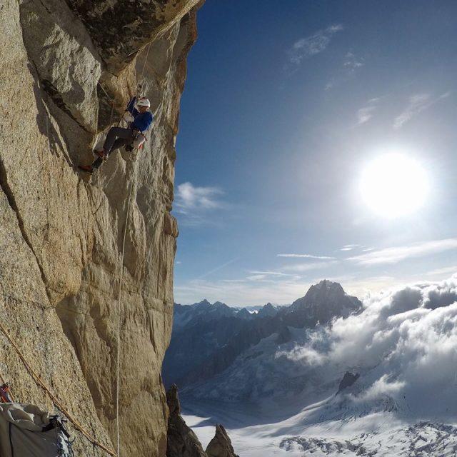 via escalada l'Our du Temps abierta por Arnaud Petit y Nina Caprez en el Grand Capucin