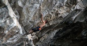 Adam Ondra escala Project Hard 9c