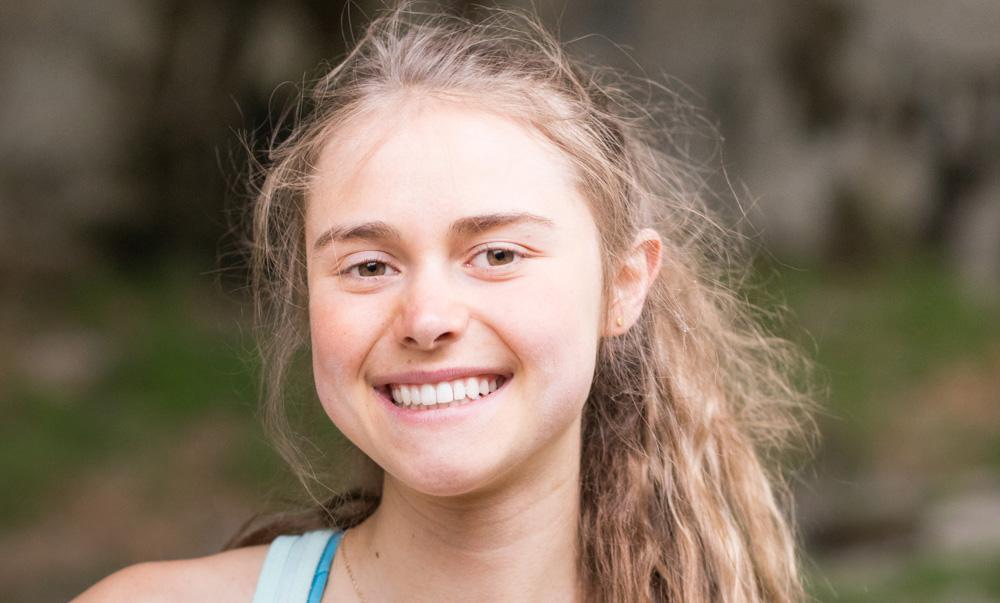 Margo Hayes escaladora