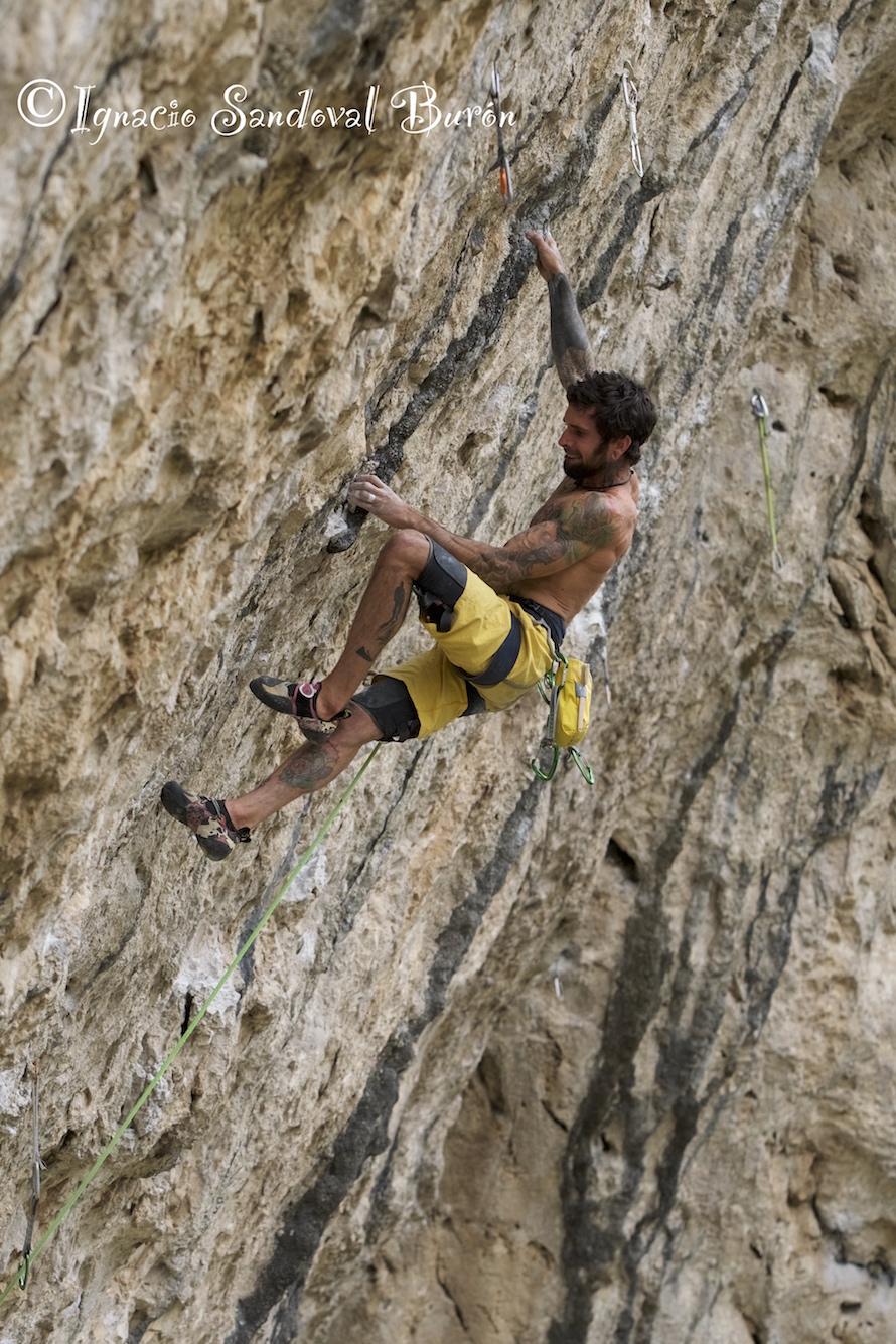 Luis Rodríguez vía escalada 'Cascabel'