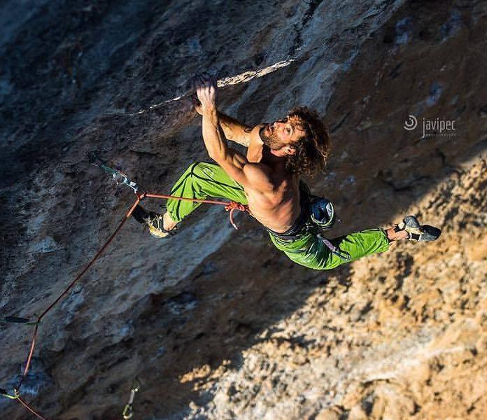 Patxi Usobiaga escalando 'Pachamama'