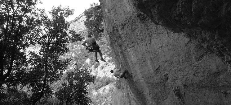 Ramonet escalando 'Suction' 8b+ Sadernes