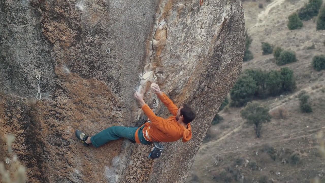Nacho Sánchez escalando 'Esperanza'