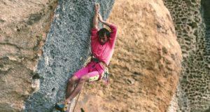 Andrea Gallo escalando Hyaena 8b+