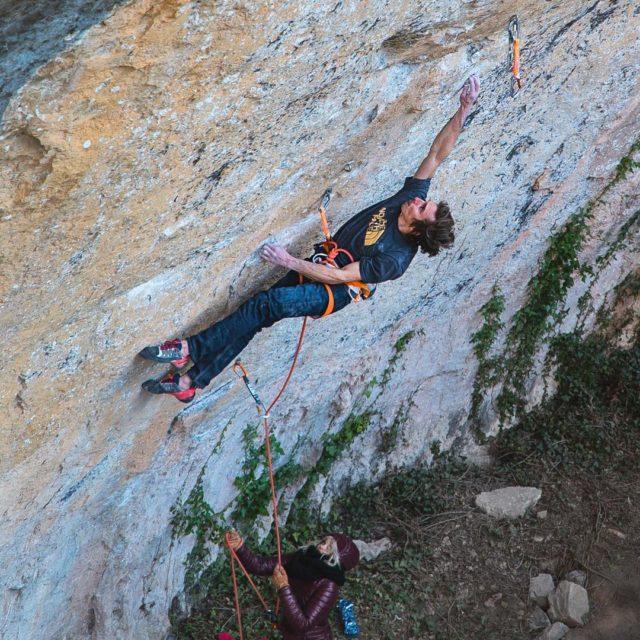 Daniel Woods escalando 'La Capella' 9b