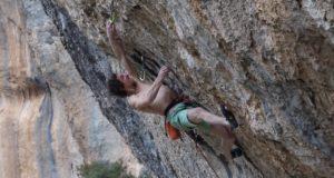 Adam Ondra escalando 'Eagle 4'
