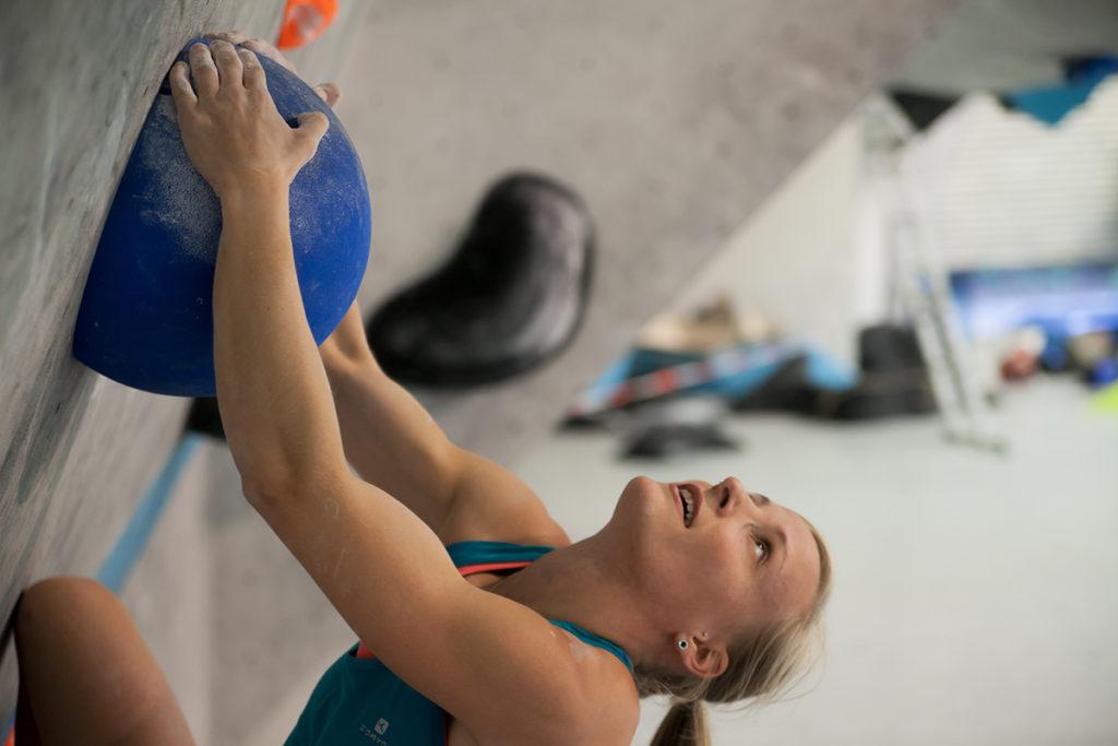 Mari Alarcón escaladora