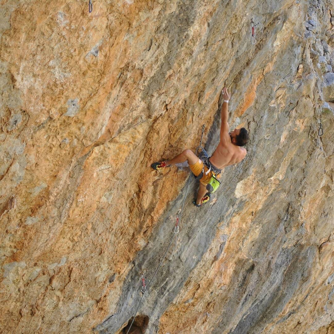 Jonathan Guadalcazar escalador