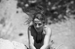 Barbara Zangerl escalando 'Unendliche Geschichte'