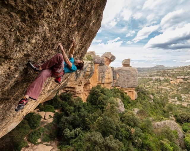 Chris Sharma escalando en Margalef