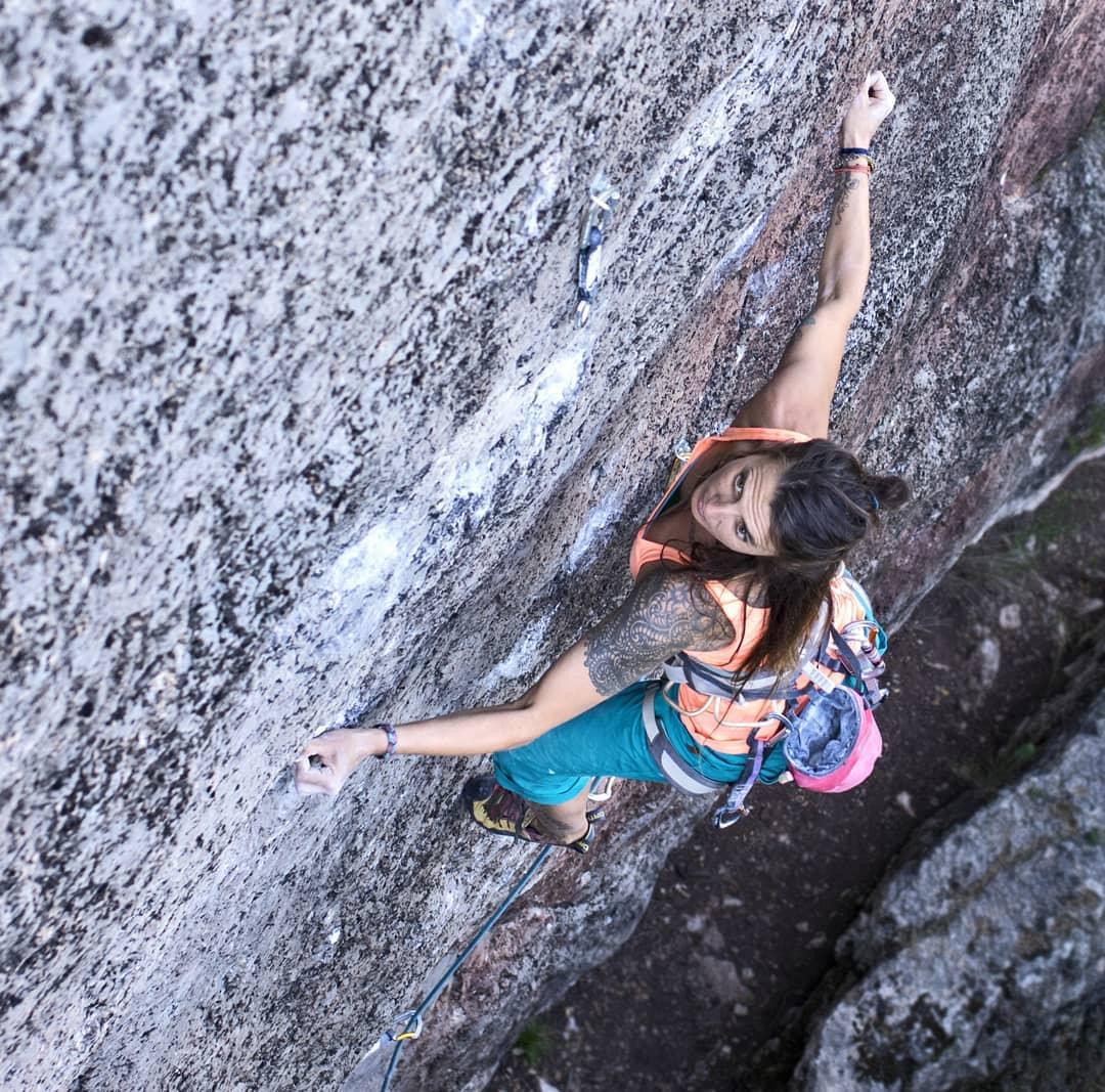 Maider Sarasola escalando en Siurana