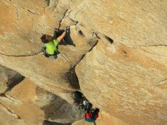 Adam Ondra escalando en Yosemite