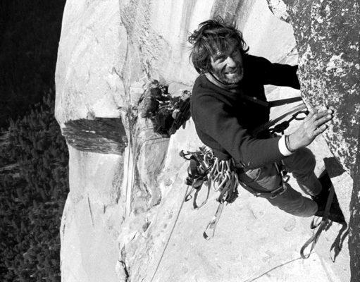 Warren Harding escalando 'The Nose'