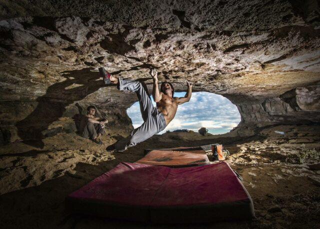 Chris Sharma en la Cova de l'Ocell foto Ricardo Giancola