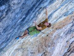 Seb Bouin escalando en Oliana