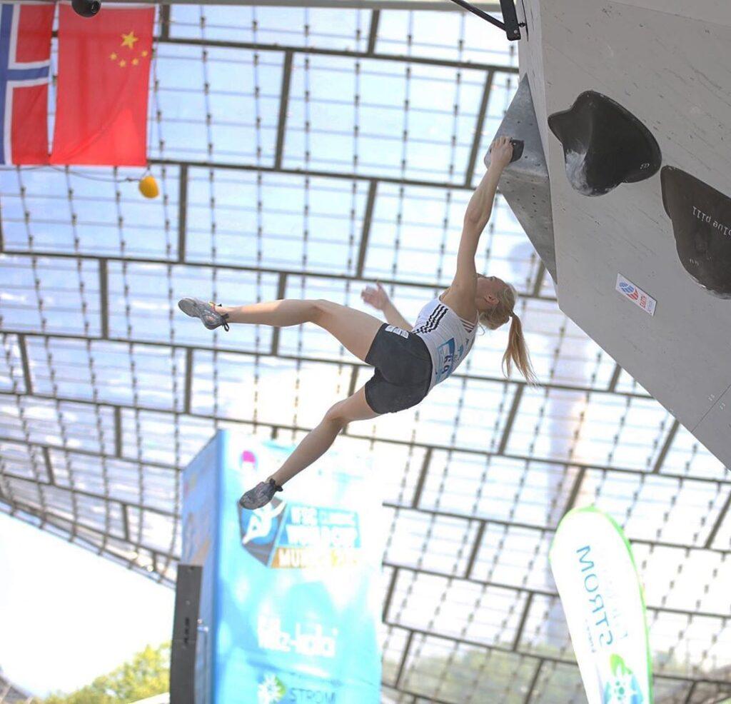 Janja Garnbret en semifinales en Múnich
