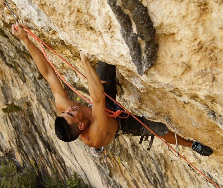 Jorge Díaz-Rullo escalando en Rodellar