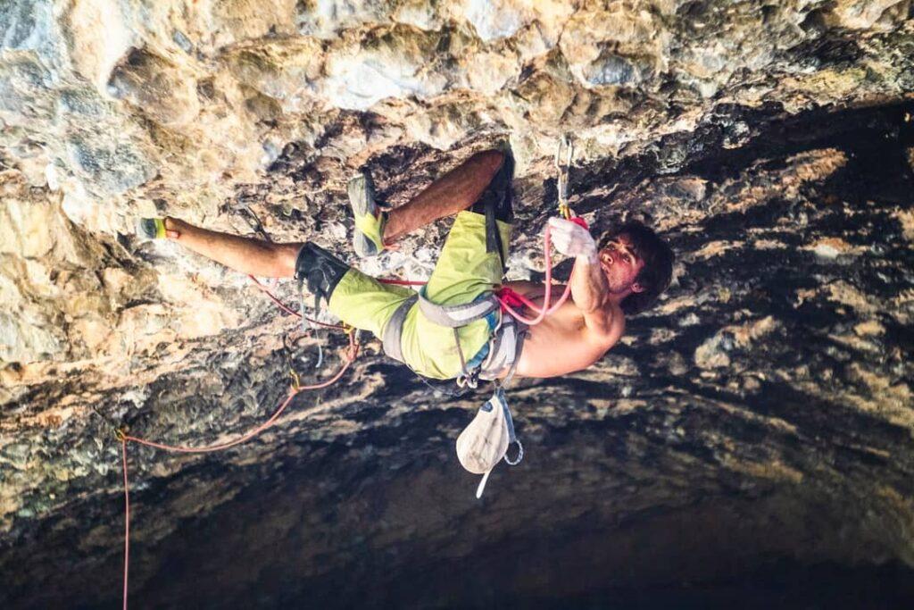 Alex Garriga en la Cueva de Alí Babá