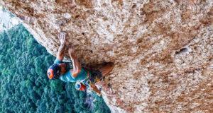 Edu Marín escalando 'Arco Iris'