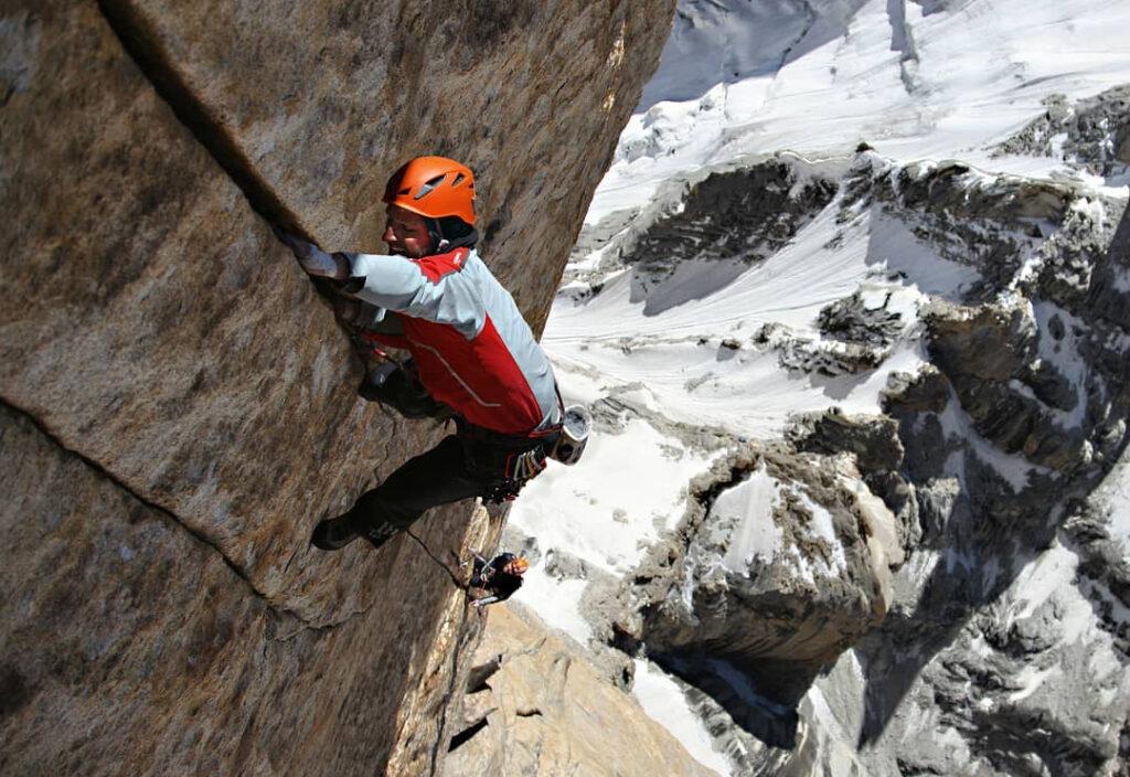 Alex Huber escalando 'Eternal Flame'