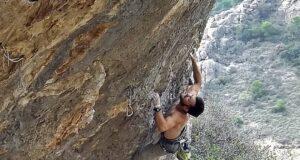 Jonathan Guadalcázar en Ataxia Extensión 9a+