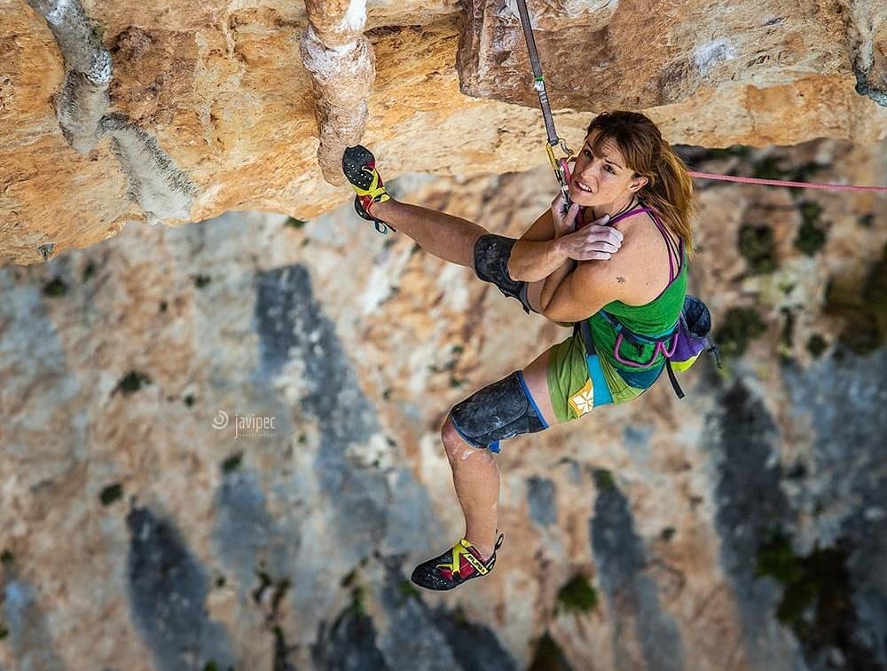 Andrea Cartas en La Rubia 8c+