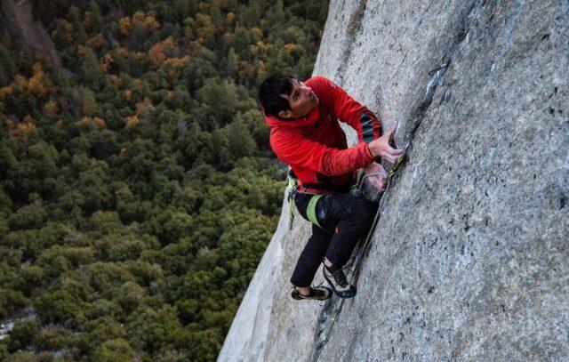 Alex Honnold escalando en El Capitan