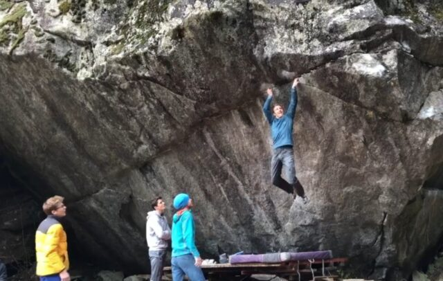 Jakob Schubert en Off the Wagon 8B+