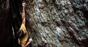 Luis Serrano escalando en La Pedriza
