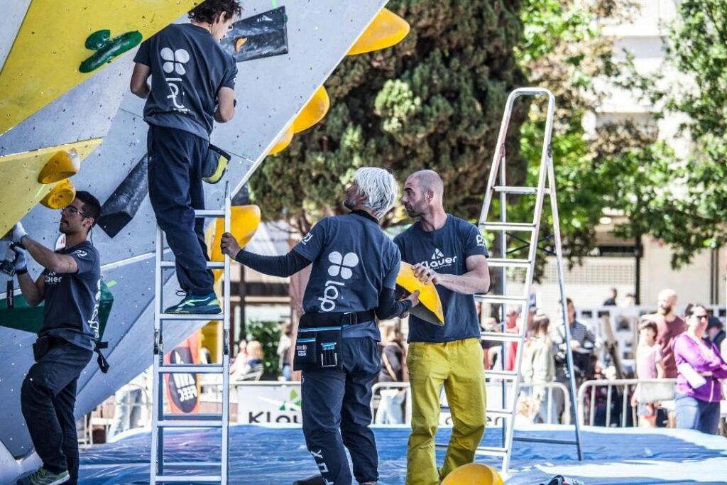 Christian Klauer equipando en una competición