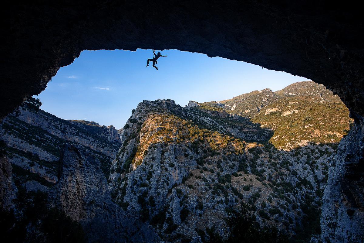 Escalada en Las Ventanas del Mascún. Foto de Piotrek Deska