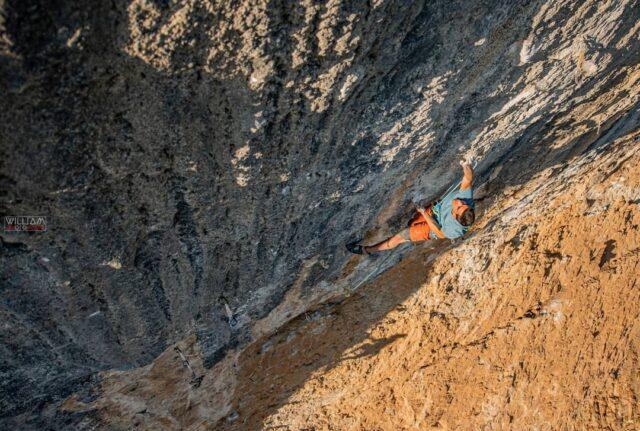 Jorge Díaz-Rullo escalando en Oliana