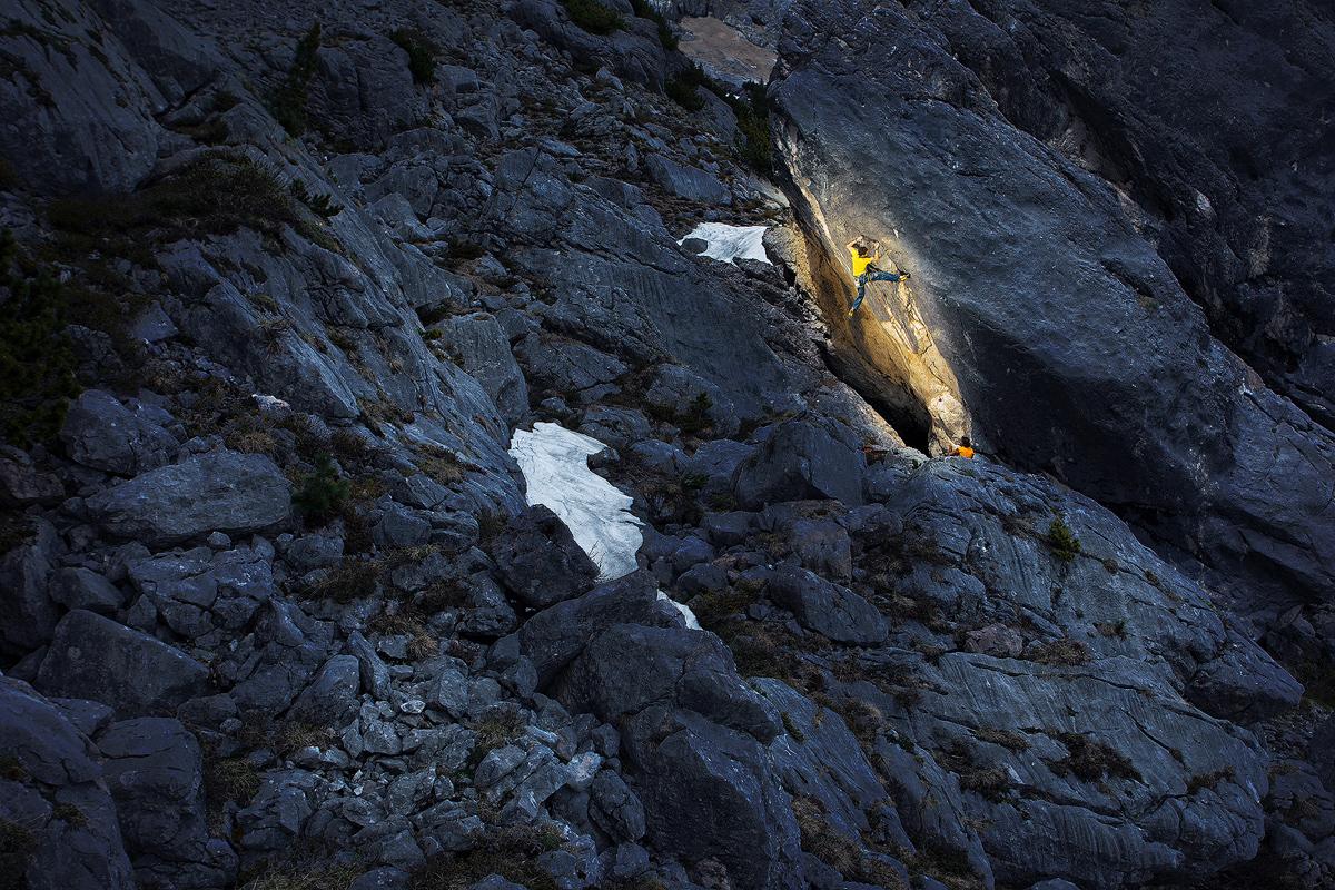 Boulder en el Valle de Rofan. Foto de Piotrek Deska