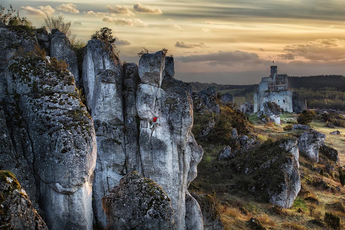 Paisaje y escalador en Mirow (Polonia). Foto de Piotrek Deska