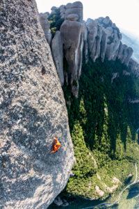 Escalada en el Bisbe, en Montserrat