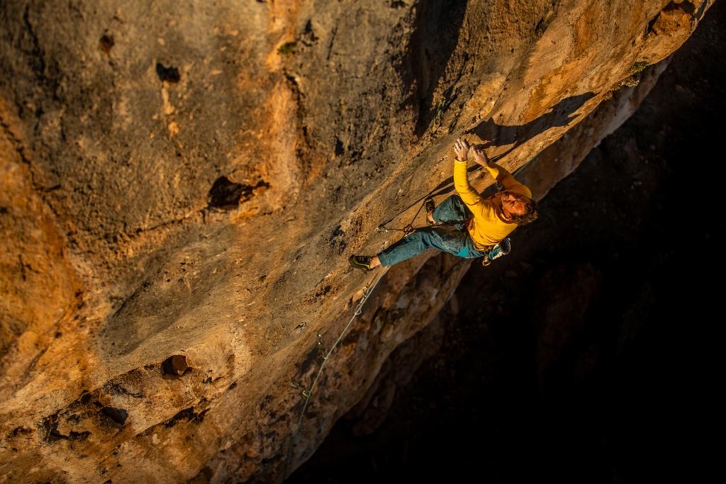 Carlos Logroño escalando en Alquézar