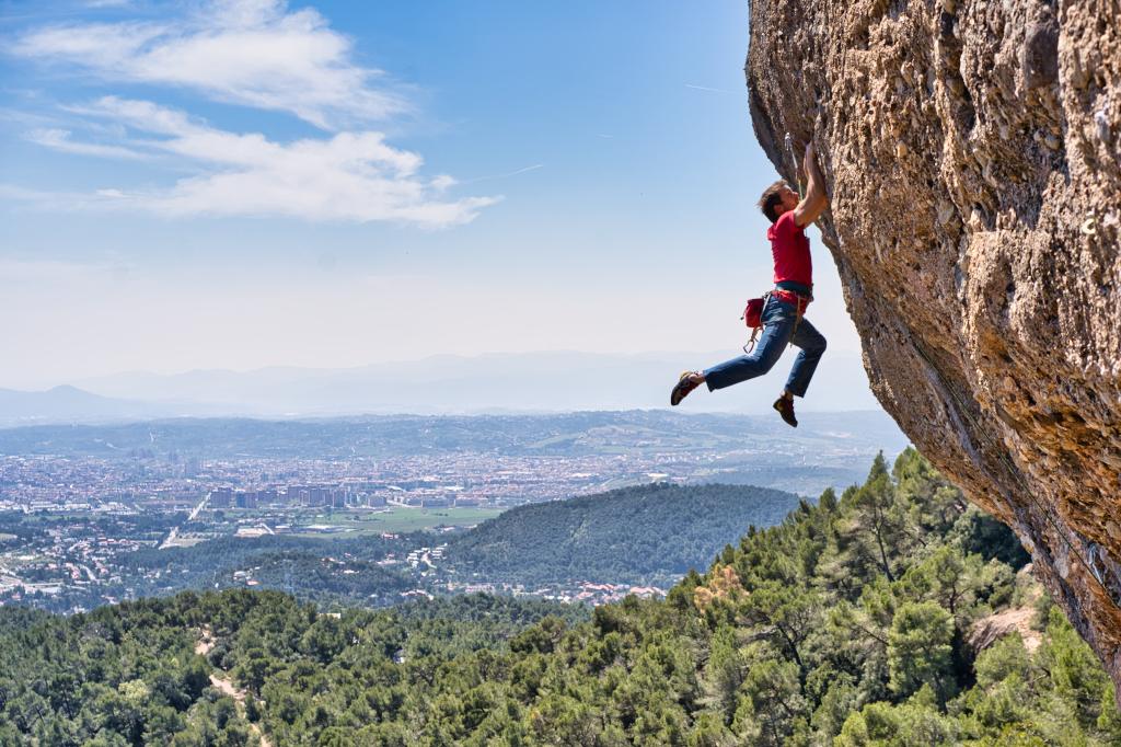 Miquel Mas escalando