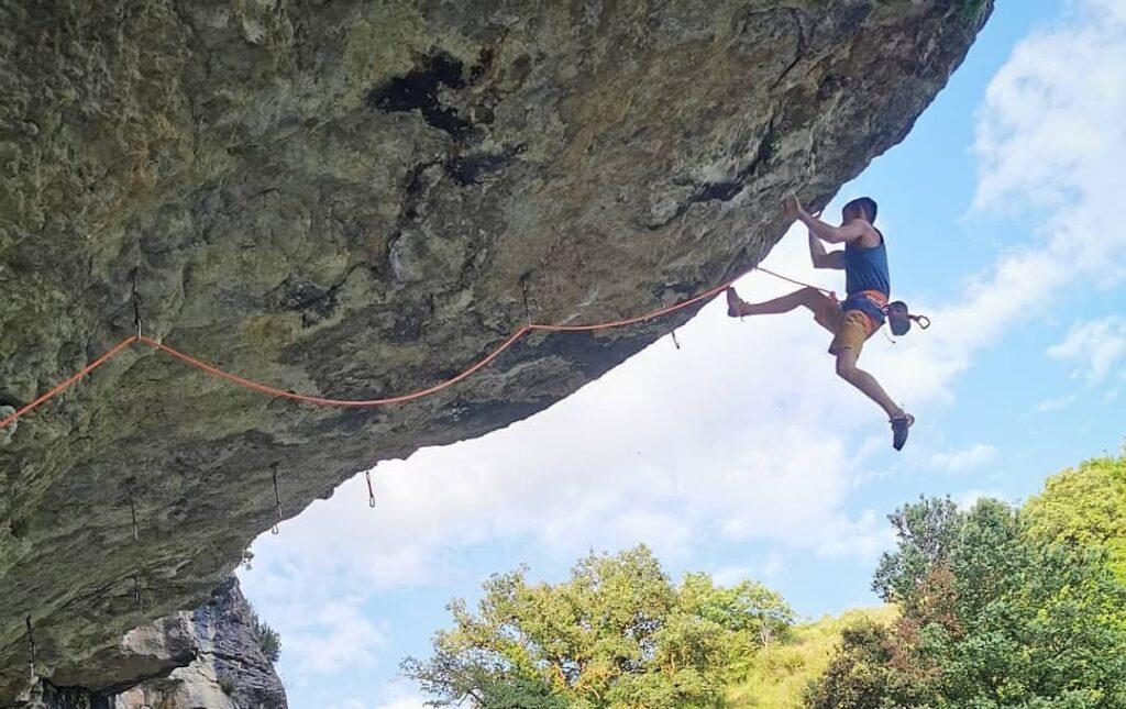 Jorge Díaz-Rullo escalando en Calders