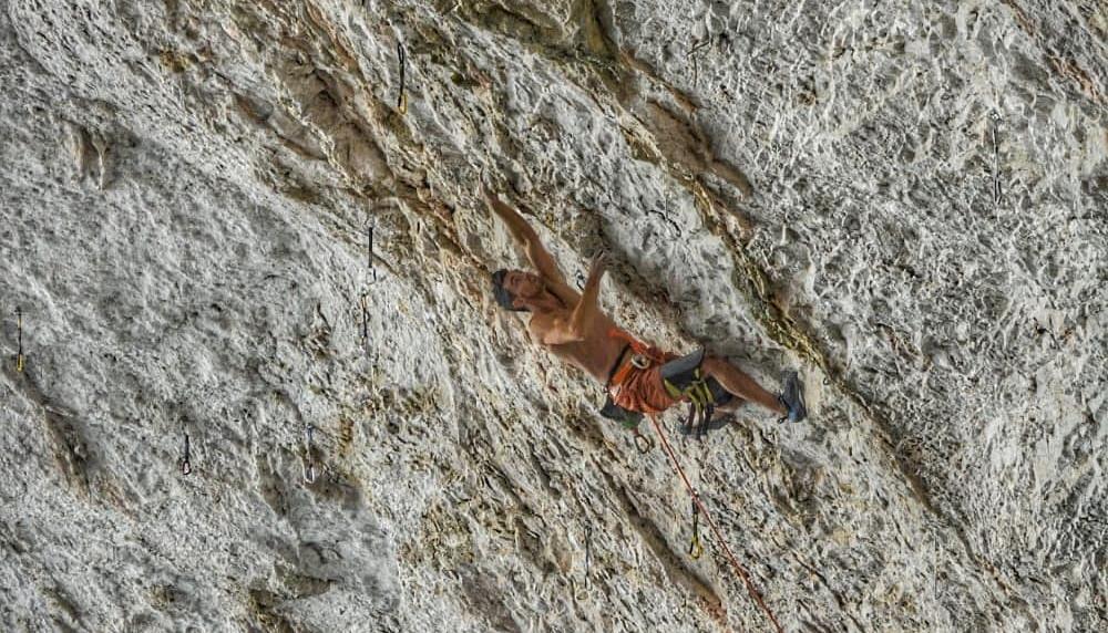 Jorge Díaz-Rullo escalando en El Museo