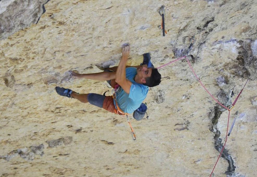 Jorge Díaz-Rullo escalando en La Piscineta