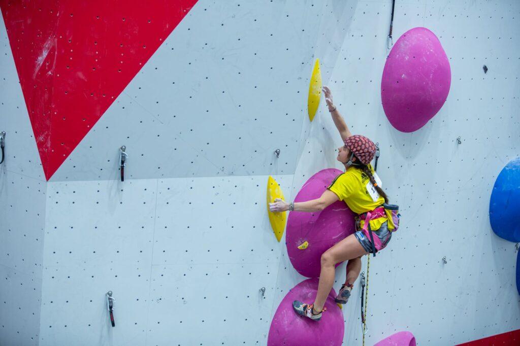 Antía Freitas compitiendo en Climbat X-Madrid