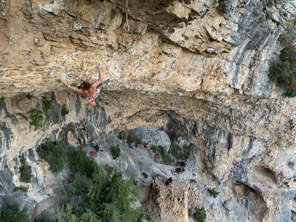 Antoine Kauffmann escalando en Rodellar