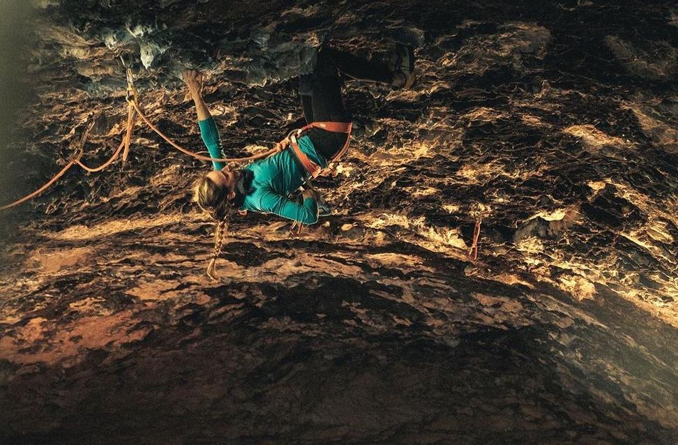 Alizée Dufraisse escalando en Rodellar