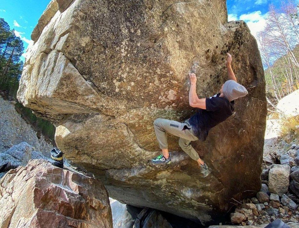 Vadim Timonov escalando en el Cáucaso